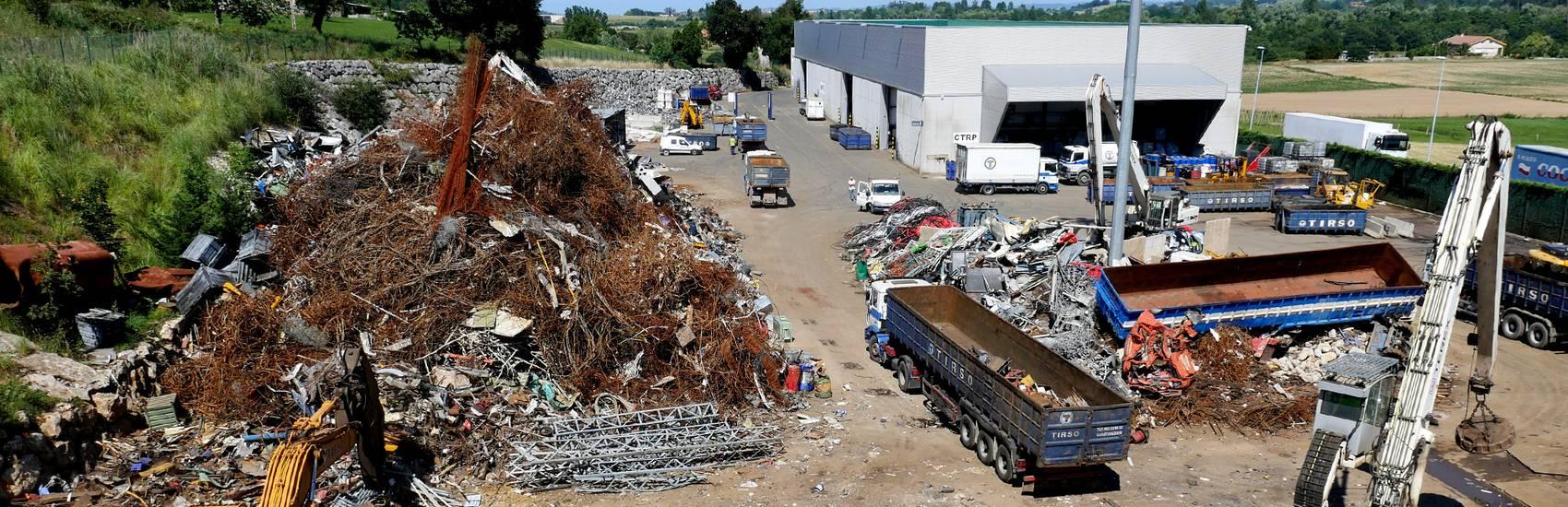 Tirso, empresa especializada en la recuperación y el reciclaje en Cantabria, Demoliciones y desguaces, compra y venta de metales y chatarra, retirada de amianto y fibrocemento en Cantabria